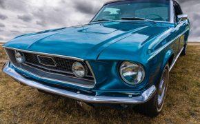 Seguros de coches antiguos: 4 consejos para elegir